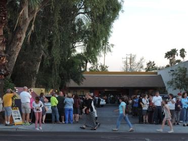 acrossGlendale-parkinglot-line(788)