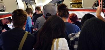 aircraft-deplaning-queue-cr