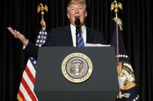 trump-podium